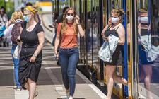 Mondkapjes zijn verplicht in het openbaar vervoer.