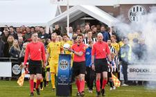 Nog één keer kunnen de voetbalfans genieten van een stadsderby tussen Alcides en MSC-Amslod, die de laatste jaren overigens steevast altijd al op zaterdagavond wordt gespeeld.
