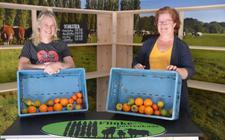 De Boerenstreek gaat donderdag open, links Mariët Flinkert en rechts Klara van den Bosch.