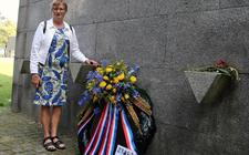 Annigje van der Sluis-Meesters herdenkt haar opa Henk.