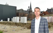 Aan de Groenmarkt en Kromme Elleboog wordt een appartementencomplex met commerciële ruimten en een parkeergarage gerealiseerd.