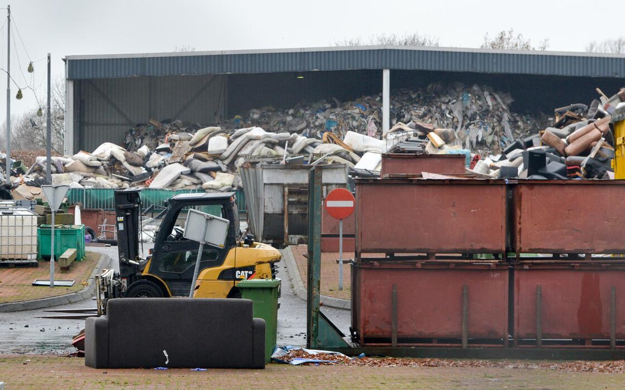 De milieustraat in Meppel, toen de Rouveense afvalverwerker er nog zat.