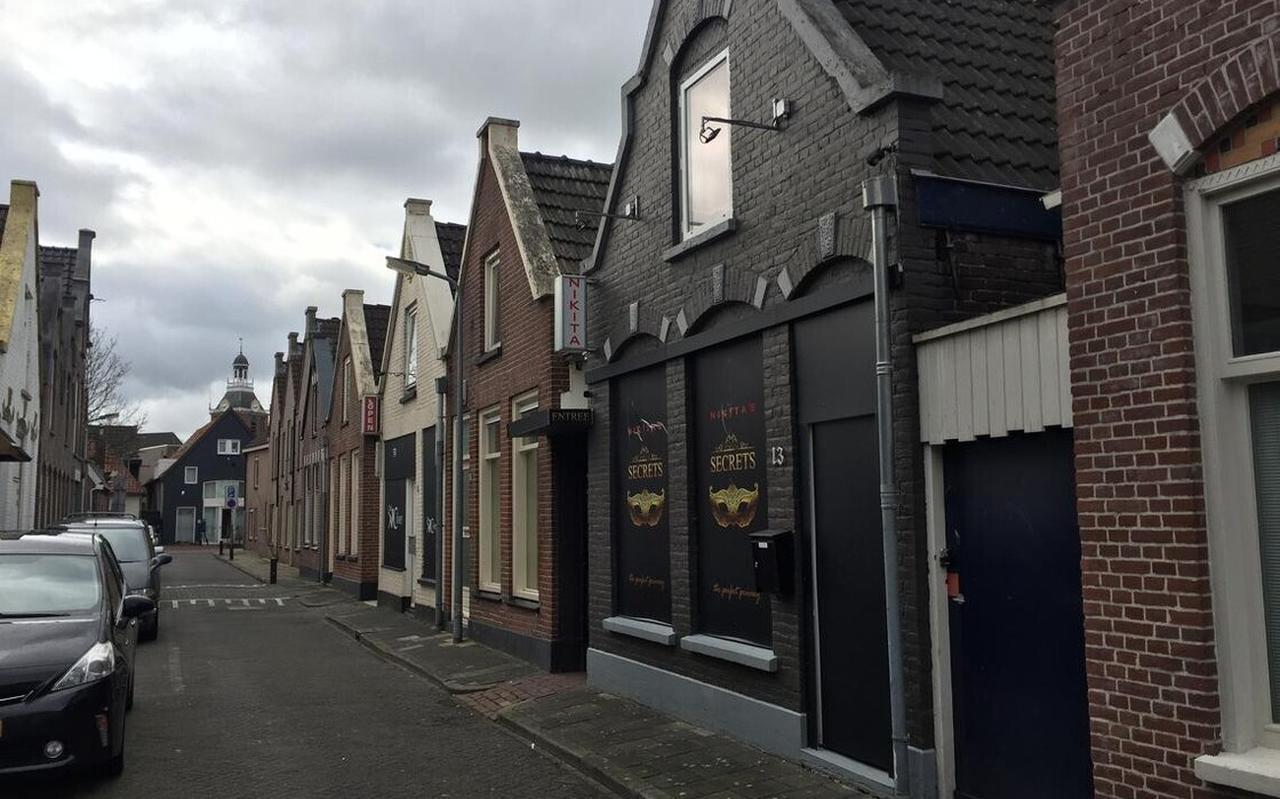 In de Voorstraat in Meppel zitten twee prostitutiebedrijven: Club Cilver en Nikita's Secrets.