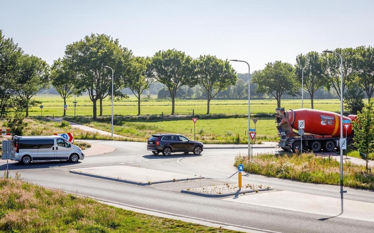 Auto's mogen straks niet meer over de Nieuwe Nijeveenseweg rijden.