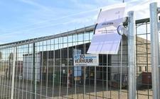 De gemeente heeft het terrein in Staphorst afgesloten.