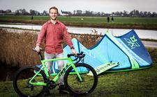 Wielrenner Mark Prinsen houdt ook van kitesurfen.