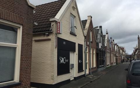 In de Voorstraat in Meppel zijn twee prostitutiebedrijven gevestigd: Club Cilver en Nikita's Secrets.