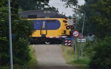 De spoorwegovergang bij Reeststouwe.
