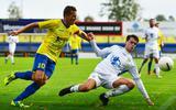 Martijn Brakke in actie, tijdens zijn laatste officiële competitiewedstrijd voor vv Staphorst, thuis tegen FC Lisse.