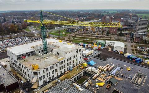 Voortgang bouw nieuwe Isala-ziekenhuis in Meppel.