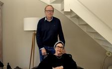 Marga Eskes met haar broer Theo, die haar 'een nieuw leven' heeft gegeven.