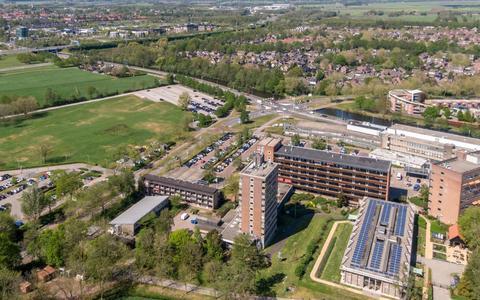 Er komt geen massale nieuwbouw of een bedrijventerrein op het terrein van het huidige ziekenhuis.
