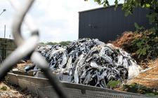 De situatie op de milieustraat Meppel is niet of nauwelijks verbeterd, terwijl het afvaldepot nog steeds in vol bedrijf is.