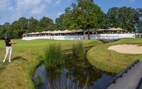Sven Maurits op hole 9 van Bernardus Golf in Cromvoirt tijdens de Dutch Open. Op de laatste dag slaat hij er een bogey. Daarna gaat het beter.