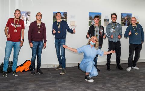 Valérie van Looy brengt vooroordelen over g-voetbal onder de aandacht met kunstproject in Meppel