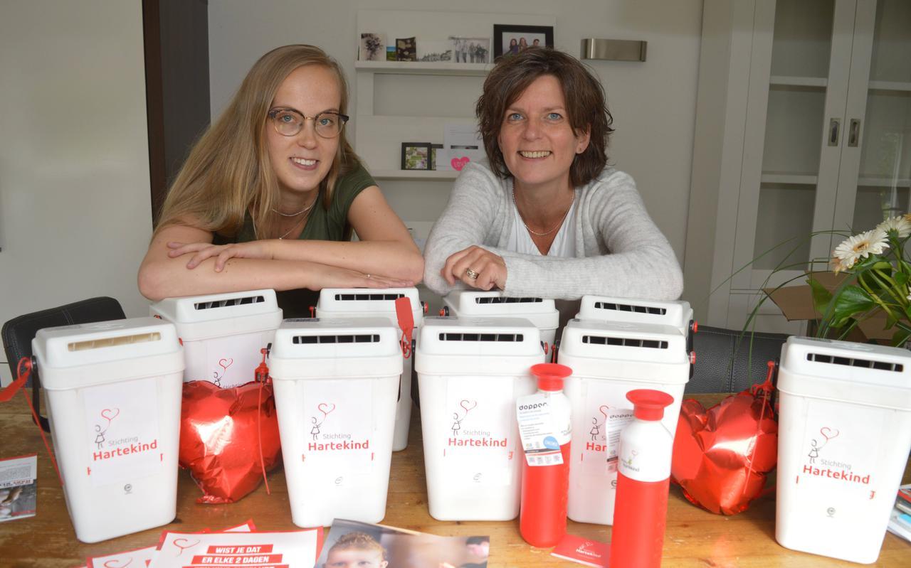 Anita Boensma (rechts) met haar dochter Ann, allebei nu werkzaam voor Treant.