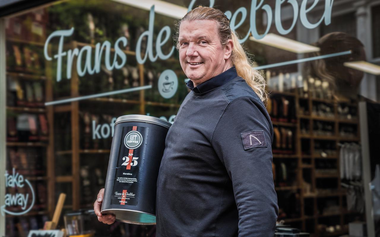 Frans de Grebber is nog allerminst uitgekeken op koffie. Hij zet zijn avontuur voort in de koffiebranderij.