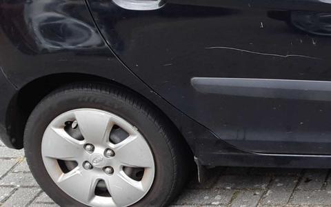 Auto vernield in Meppel.