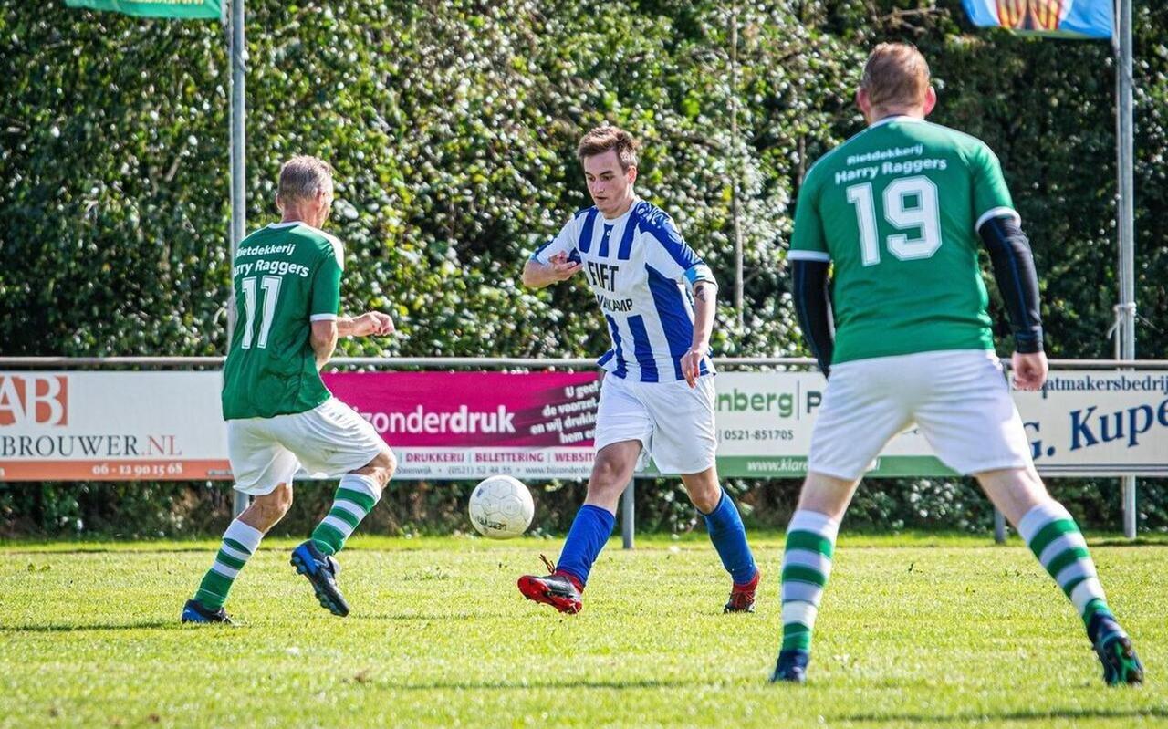 Willemsoord hier tijdens een competitiewedstrijd, de groenhemden dromen van een potje voetbal